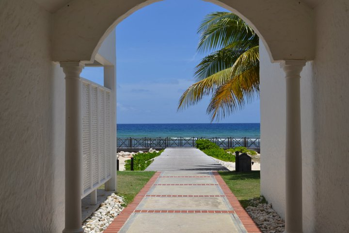 Half Moon Resort Jamaica archway to the beach